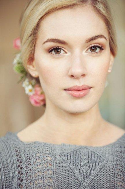 Свадебный макияж для блондинки с зелено-карими глазами