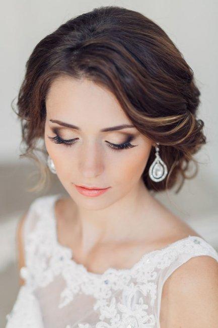Романтический макияж для зеленоглазых брюнеток.jpg