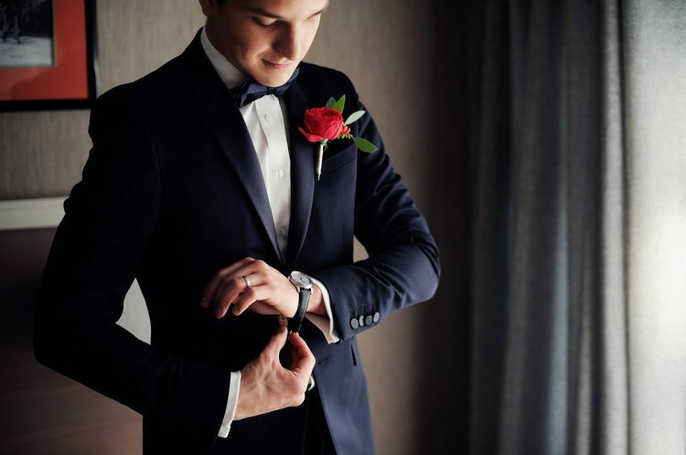 Сборы жениха в свадебный день