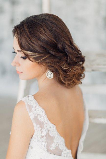 свадебные прически под фасон платья рыбка