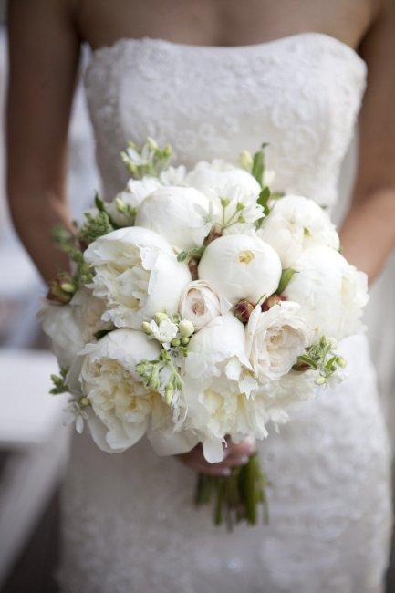 Букет из живых цветов для невесты