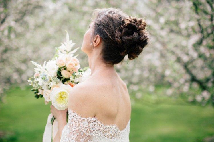 Куда девать свадебный букет после свадьбы
