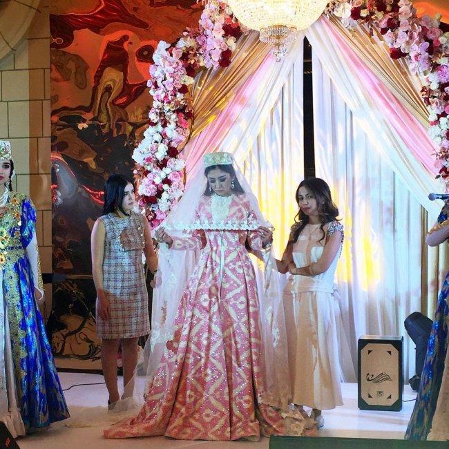 Национальное платье узбекской невесты
