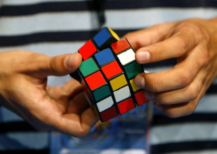 Кубик Рубика в подарок гостям