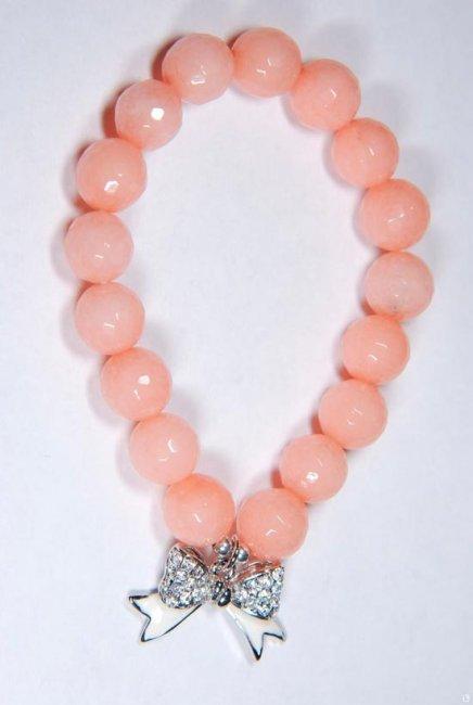 Браслет на руку персикового цвета