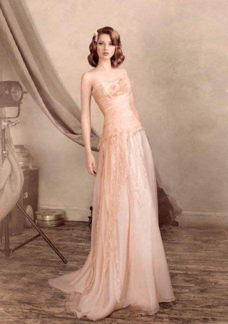 Персиковое свадебное платье в ретро-стиле