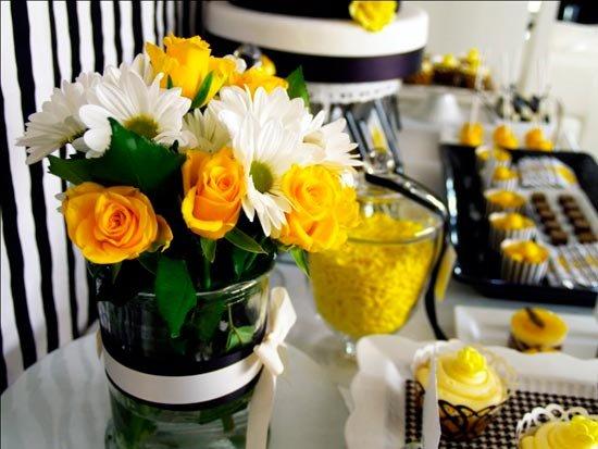 Цветная флора желтой свадьбы