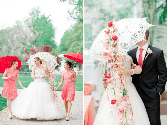 Кружевной зонт в образе невесты