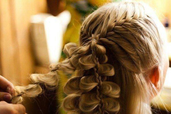 оригинальные плетение кос прически