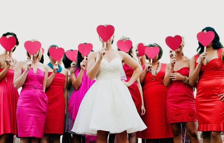 Гостьи на красной свадьбе