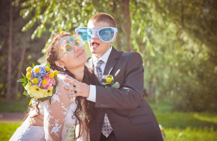 Оригинальная идея для свадебной фотосессии