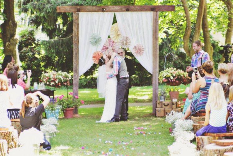Проведение выездной росписи и свадьбы на природе