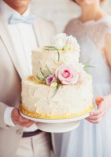 Нежный торт с цветами