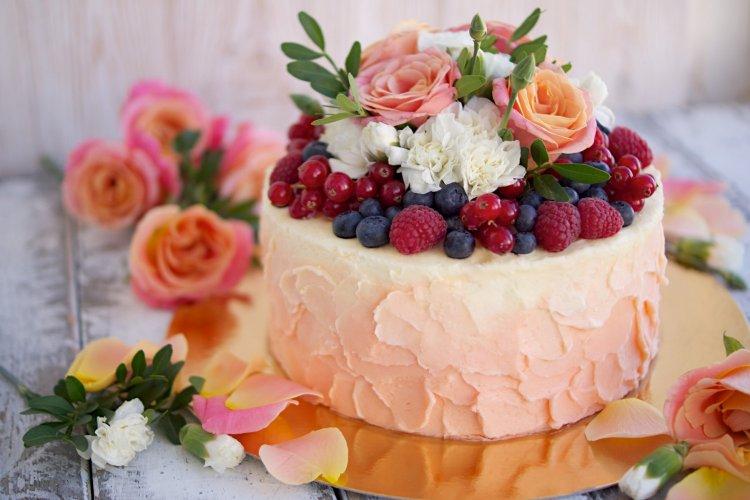 Сочетание цветов и ягод