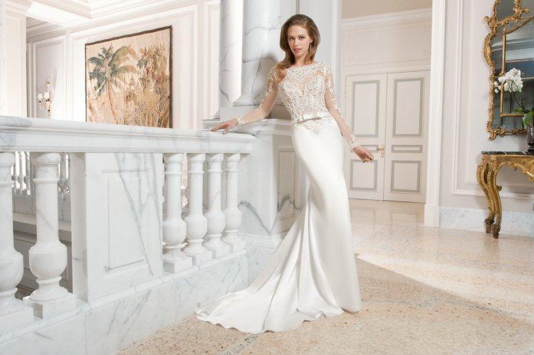 109006b3e572e58 Свадебное платье из атласа и кружева. Атласное свадебное платье