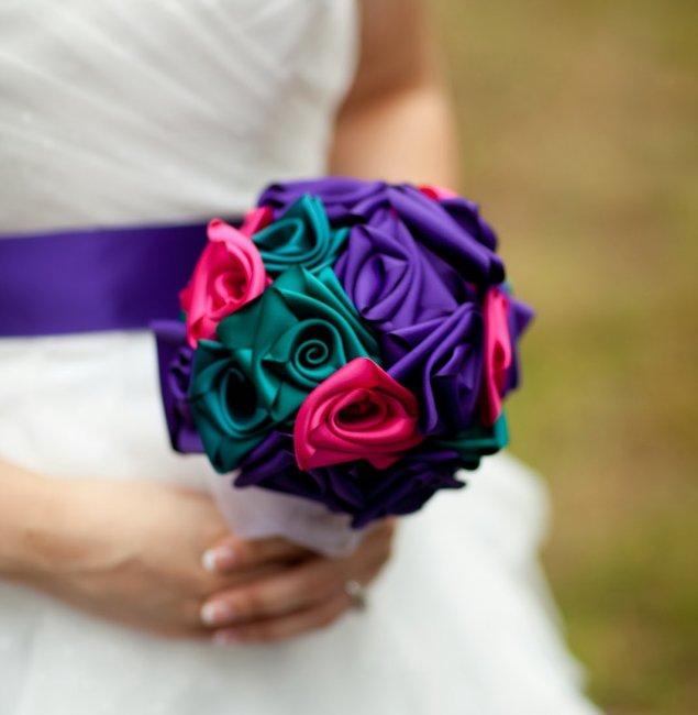 11399.635x650.1498677954 Свадебный букет своими руками. Как сделать букет невесты из атласных лент? Свадебный букет из роз, пионов, тюльпанов