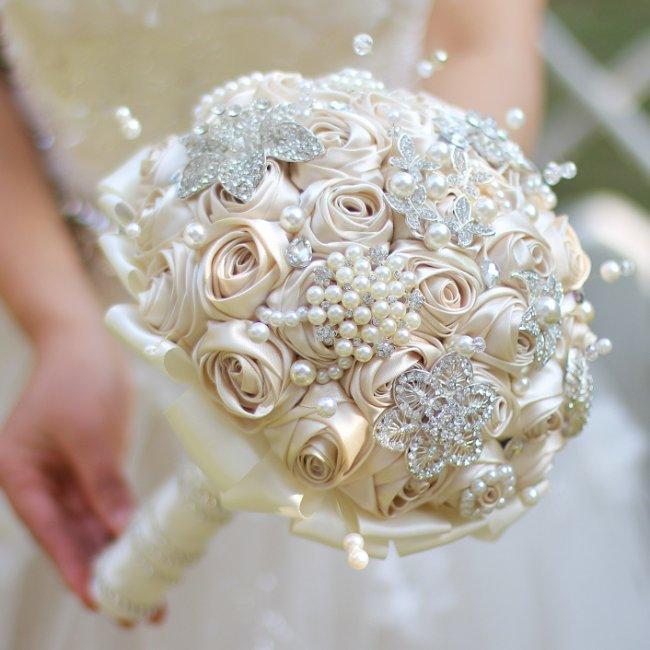 Букет невесты спираль