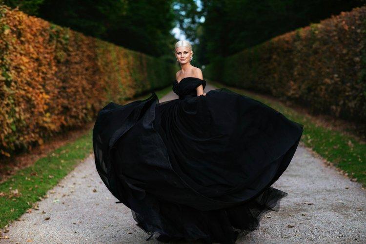 Выбираем черное свадебное платье для невесты (фото)