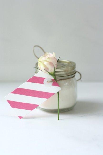 Ароматическая свеча - это отличный подарок