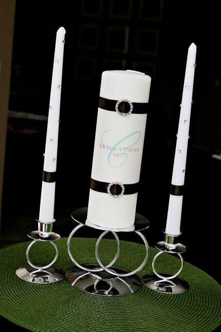 Свечи для передачи семейного очага нужно оформить в стиле свадьбы