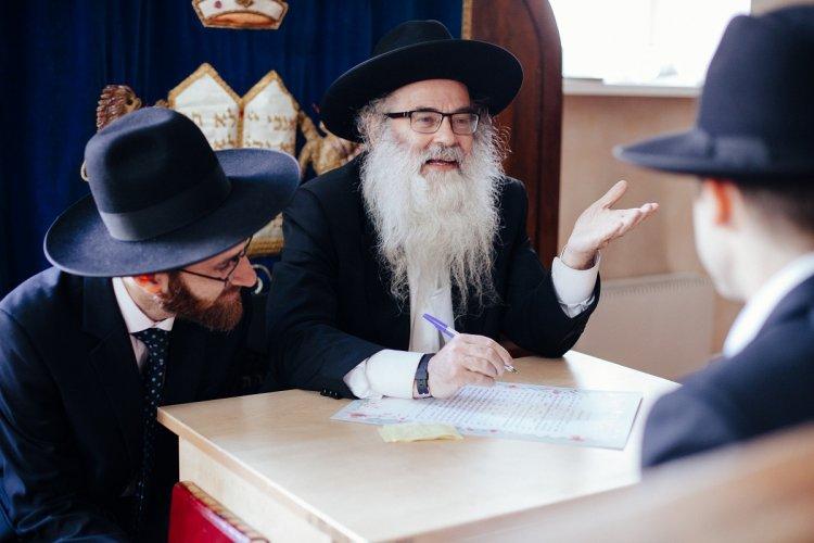 Традиционное празднование еврейской свадьбы