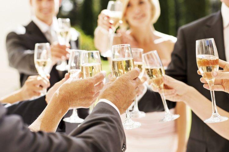 Тосты на свадьбу интересные