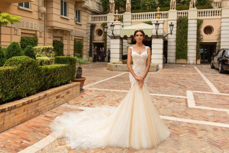 2602622b1ab Свадебные платья рыбка  со шлейфом