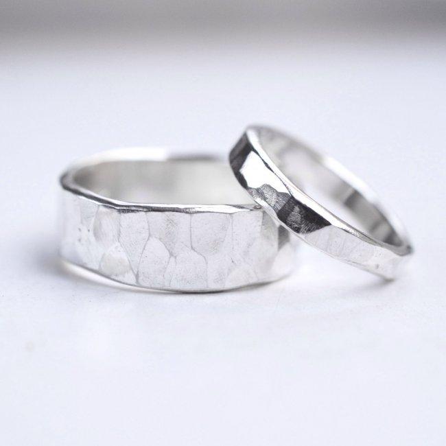 Стильные кольца из серебра