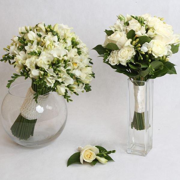Два свадебных букета