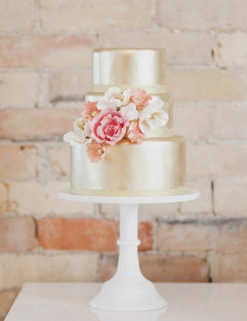 Свадебный торт с мастикой