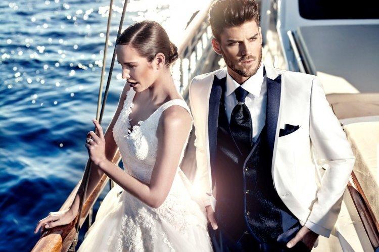 Вот несколько фото отлично подобранных мужских свадебных костюмов. 494a1a3bdcd