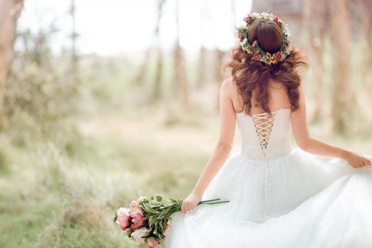 Романтическая встреча жениха и невесты