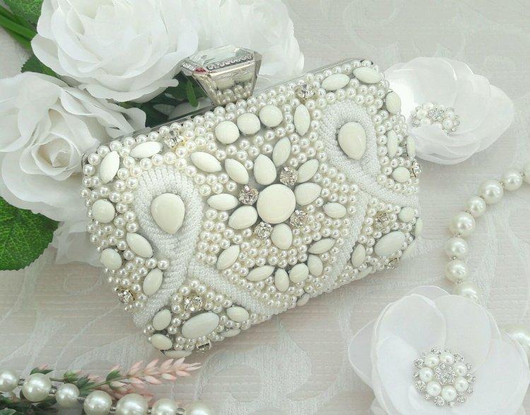 Свадебный клатч в форме шкатулки