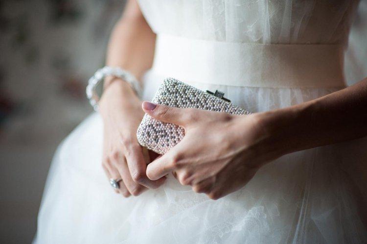 Сумочка для невесты в форме шкатулки