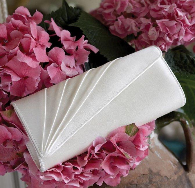 Клатч-конверт для невесты