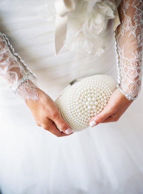 Овальный свадебный клатч