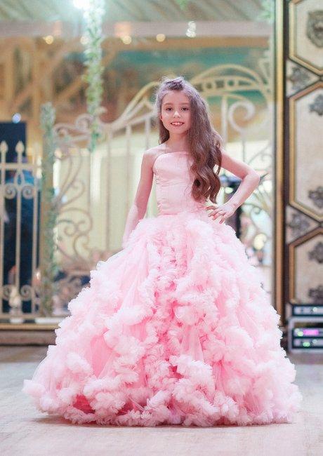 Пышное длинное платье для девочки