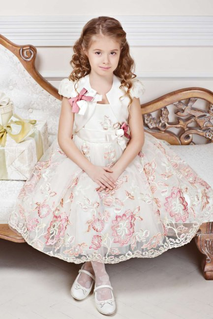Красивое длинное платье на свадьбу