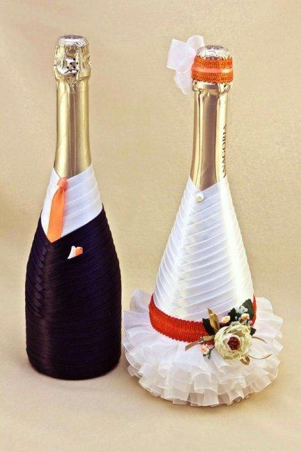 Свадебные бутылки в виде молодоженов