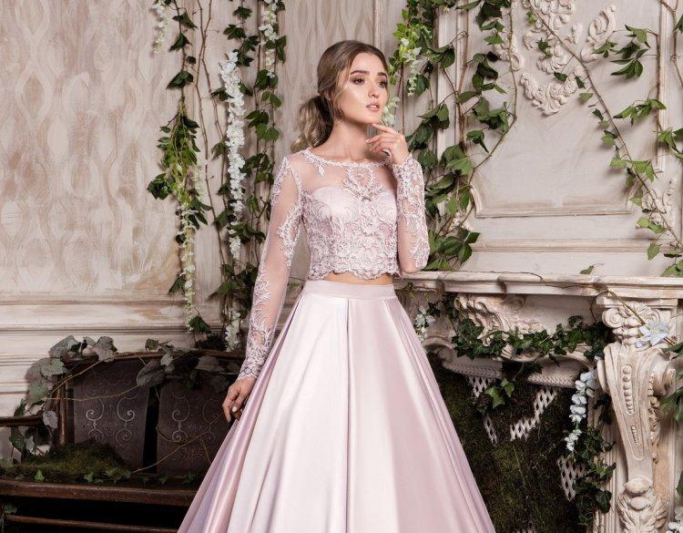 Нежный образ невесты в раздельном свадебном платье