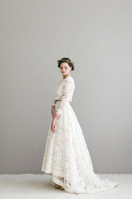 Кружевное раздельное платье с асимметричной юбкой