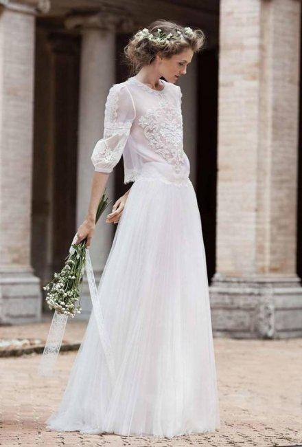 Раздельное платье с легкой воздушной юбкой и полупрозрачным удлиненным верхом