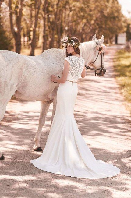 Легкое и гармоничное раздельное свадебное платье