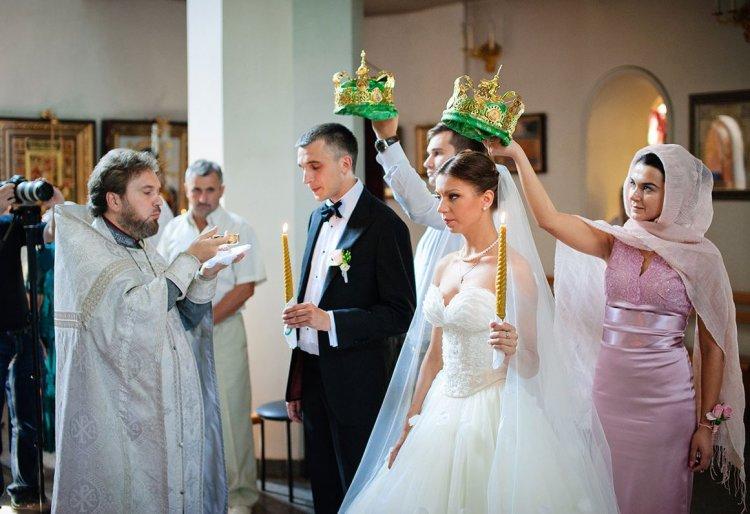 Венчание жениха и невесты