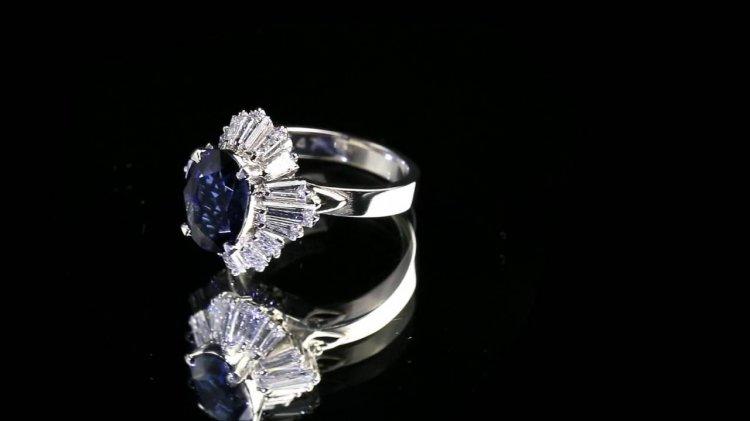 Роскошное кольцо из платины