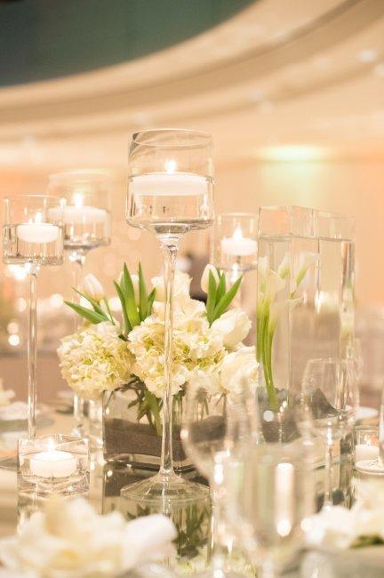 Свечи в декоре свадебного зала