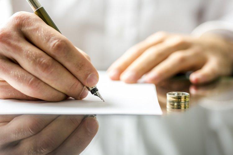 Как поступить с обручальным кольцом после развода