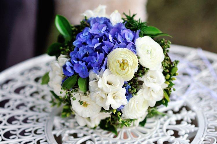 Свадебный букет с гортензиями