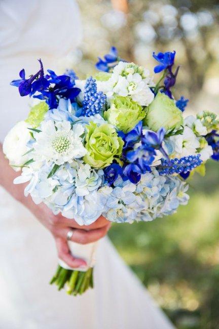 Букет невесты для свадьбы в синем цвете