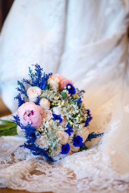 Букет невесты с васильками